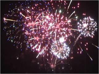 5107-fireworks-thumb-320x240-5106.jpg