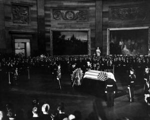 jfk-funeral-capitol-rotunda-1963-wikicommons